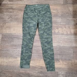 2 Old Navy Super Skinny Camo Jeans